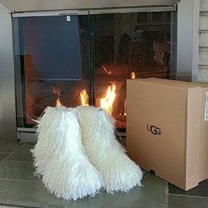 NEW Ugg Australia Fluff Momma Boots White 8